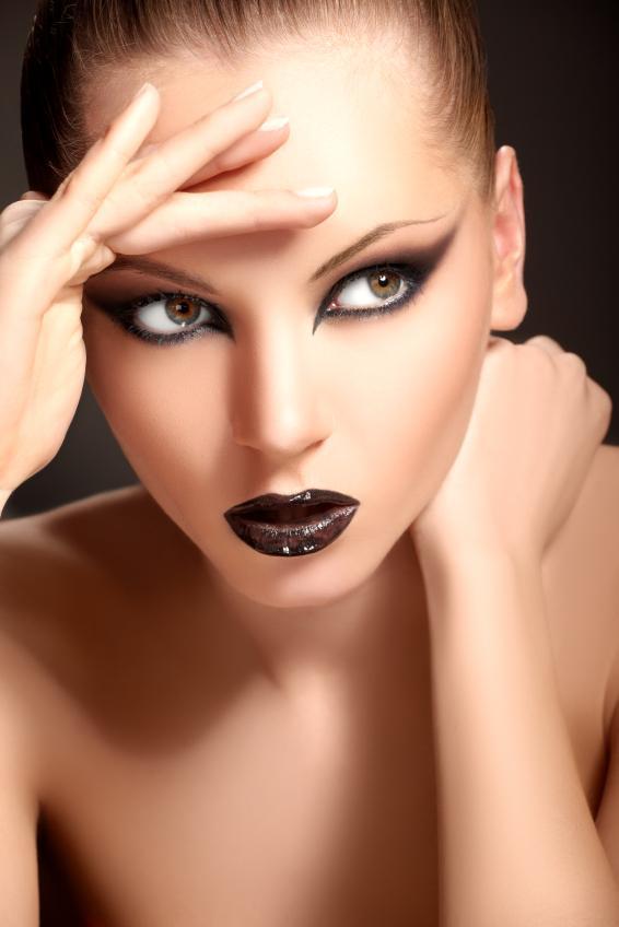 https://cf.ltkcdn.net/makeup/images/slide/88024-566x848-iStock_000012231261Small.jpg