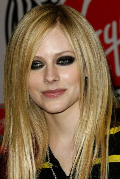 https://cf.ltkcdn.net/makeup/images/slide/88043-403x600r1-avril5.jpg