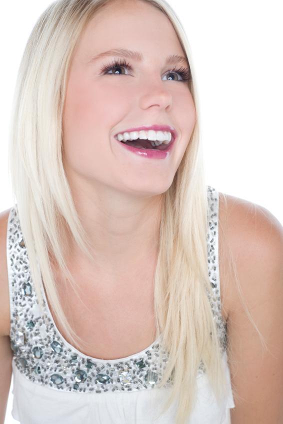 https://cf.ltkcdn.net/makeup/images/slide/88054-566x848-teen_girl_7.jpg