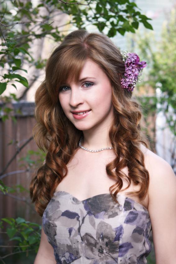 https://cf.ltkcdn.net/makeup/images/slide/88058-566x848-teen_girl_6.jpg