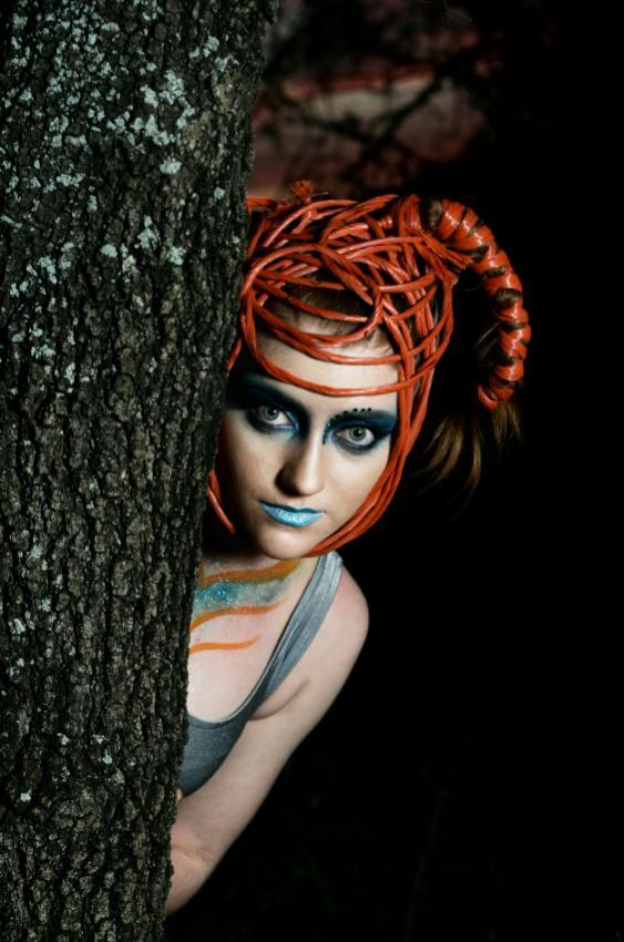 https://cf.ltkcdn.net/makeup/images/slide/88108-563x850-fairy6.jpg