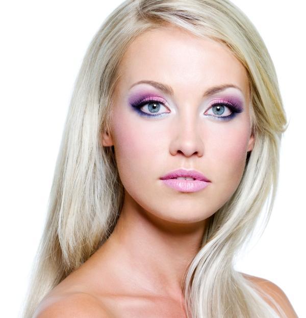 https://cf.ltkcdn.net/makeup/images/slide/92712-600x622r1-creative2.jpg