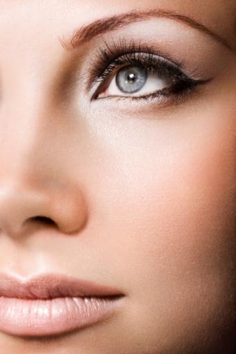 https://cf.ltkcdn.net/makeup/images/slide/112984-513x768r1-newnudesmakeup.jpg