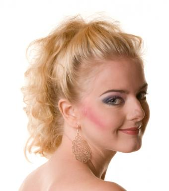 Photos of Seven Makeup Trend Problems