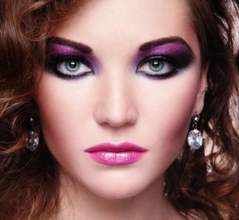 https://cf.ltkcdn.net/makeup/images/slide/126636-612x565r1-victim2.jpg