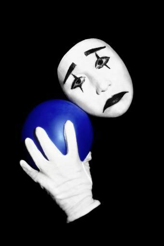 https://cf.ltkcdn.net/makeup/images/slide/130218-566x848r1-mime-with-balloon.jpg