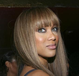 https://cf.ltkcdn.net/makeup/images/slide/130594-600x576r1-tyra-bold-eyes-and-cheeks.jpg