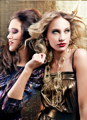 https://cf.ltkcdn.net/makeup/images/slide/131299-591x812r1-70s-makeup7.jpg