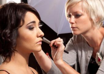 How Much Money Do Makeup Artists Make?
