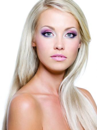 https://cf.ltkcdn.net/makeup/images/slide/140709-600x800r1-Purple-eyes.jpg