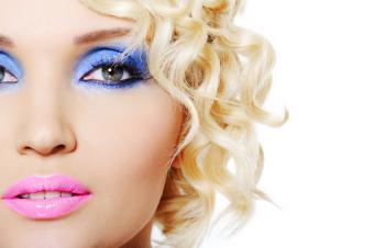 https://cf.ltkcdn.net/makeup/images/slide/140712-850x565r1-Periwinkle.jpg