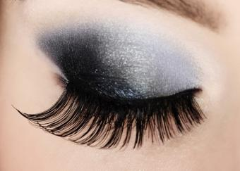 https://cf.ltkcdn.net/makeup/images/slide/145585-724x518r1-ultra-long-lashes.jpg