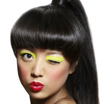 https://cf.ltkcdn.net/makeup/images/slide/145726-848x850r1-bold-playful-neon-eye-shadow.jpg