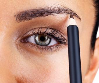 https://cf.ltkcdn.net/makeup/images/slide/145760-675x570-brow-corrector.jpg