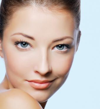 https://cf.ltkcdn.net/makeup/images/slide/145761-564x618-pretty-finished-eye-makeup.jpg