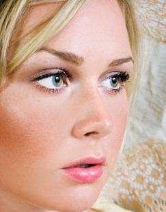 soft shimmer eye makeup