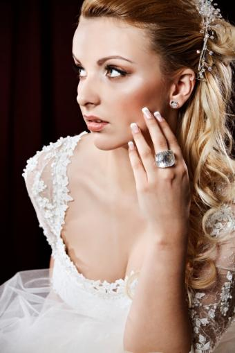 bride highlighter on cheeks