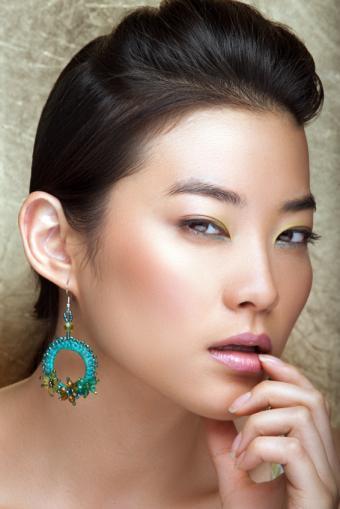 https://cf.ltkcdn.net/makeup/images/slide/149287-566x848r1-sexy-makeup-6.jpg