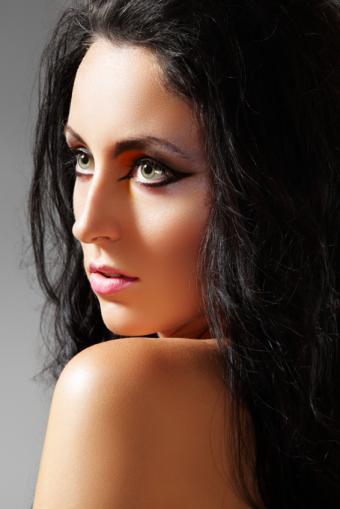 https://cf.ltkcdn.net/makeup/images/slide/149294-566x848r1-sexy-makeup-4.jpg