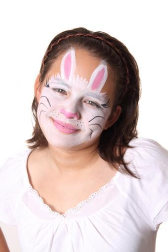 https://cf.ltkcdn.net/makeup/images/slide/165072-566x848-bunny.jpg