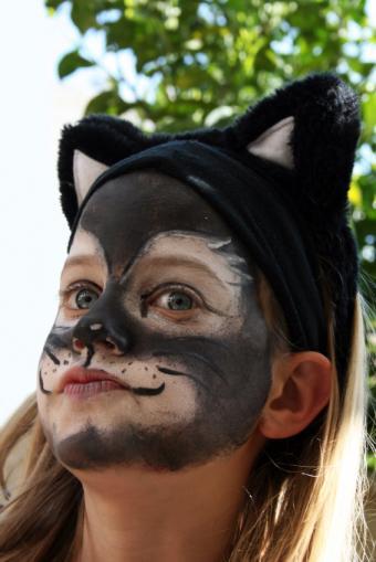 Black cat face paint