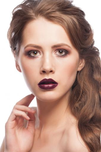 https://cf.ltkcdn.net/makeup/images/slide/169631-566x848-iStock_000026746367_Small.jpg