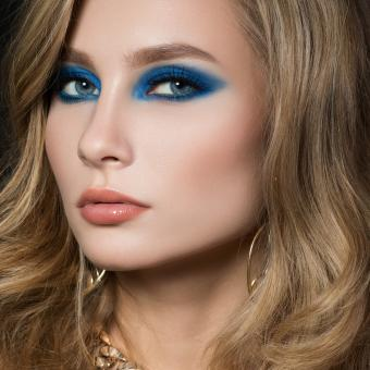 https://cf.ltkcdn.net/makeup/images/slide/196873-600x600-2_nudeglossylipstick.jpg