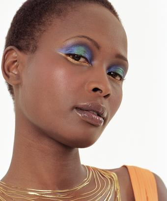 https://cf.ltkcdn.net/makeup/images/slide/197094-708x850-eyes10_finalcrop.jpg