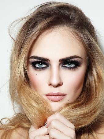 https://cf.ltkcdn.net/makeup/images/slide/199330-638x850-makeup2_lashescrop.jpg