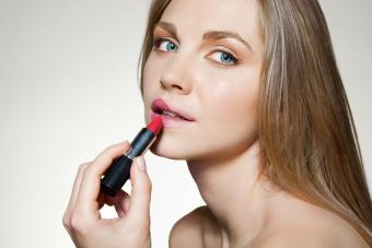 Lipstick Tips for Thin Lips