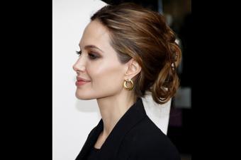 https://cf.ltkcdn.net/makeup/images/slide/224134-704x469-Angelina-Jolie.jpg