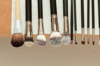 professional make up brushes drying