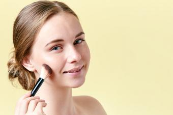 contouring cheekbones