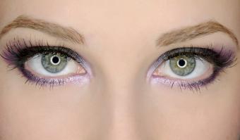 Pink make up on green eyes