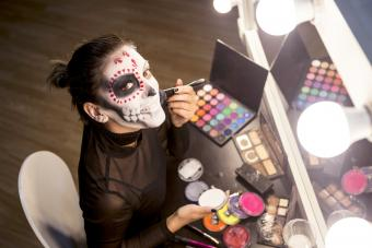 11 Halloween Eye Makeup Looks That Are Beautifully Spooky