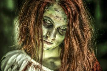 https://cf.ltkcdn.net/makeup/images/slide/280145-850x567-zombie-girl.jpg