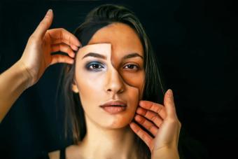 https://cf.ltkcdn.net/makeup/images/slide/280147-850x567-face-painting.jpg