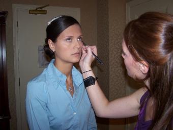 Amy_applying_makeup.jpg