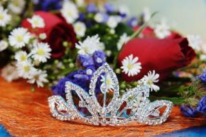 tiara with flowers