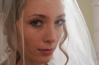 Expert Advice for Flawless Wedding Makeup