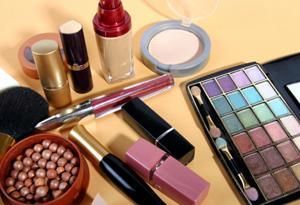 When to Discard Makeup