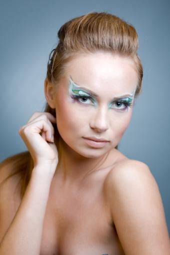 https://cf.ltkcdn.net/makeup/images/slide/87544-420x629-iStock_000008237058Small.jpg