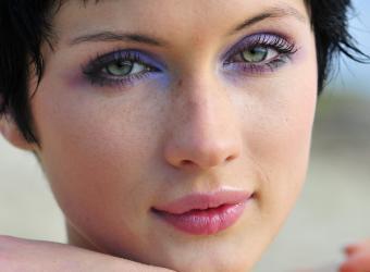 https://cf.ltkcdn.net/makeup/images/slide/87559-768x564-green-eyes-2.jpg