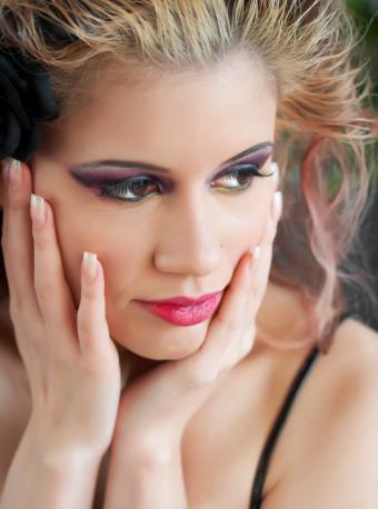 https://cf.ltkcdn.net/makeup/images/slide/87602-597x804-smoky5.jpg