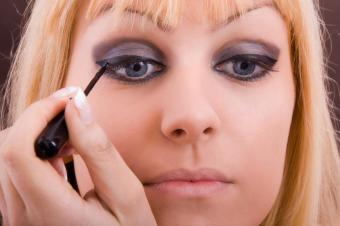https://cf.ltkcdn.net/makeup/images/slide/87603-849x565-iStock_000008170014Small.jpg