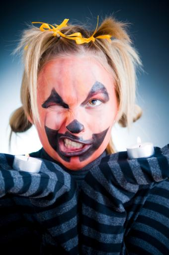 Halloween Face Paint Ideas That Are Eerily Easy