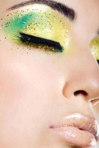 https://cf.ltkcdn.net/makeup/images/slide/87799-460x689-NewYear.jpg