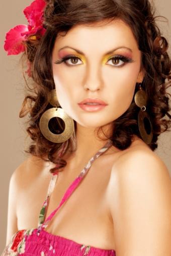 https://cf.ltkcdn.net/makeup/images/slide/87815-480x719-Spring_makeup_look2.jpg