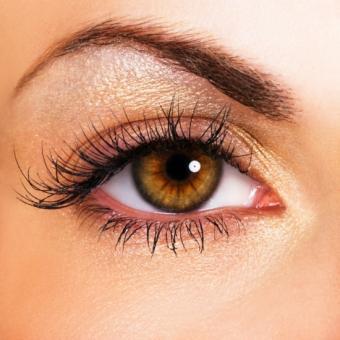 https://cf.ltkcdn.net/makeup/images/slide/87820-550x550-Spring_makeup_look6.jpg