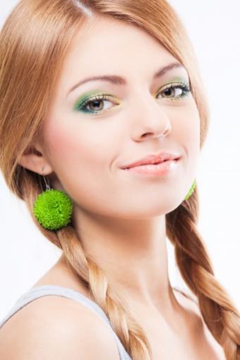 https://cf.ltkcdn.net/makeup/images/slide/87908-513x768-Pink_lipstick6.jpg